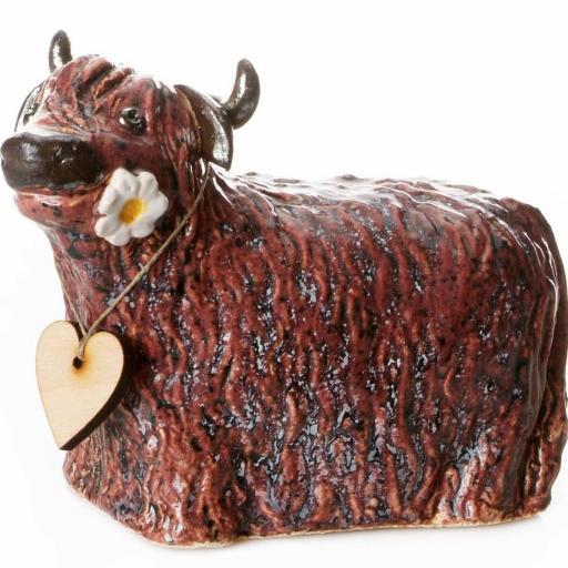 Ceramic Highland Cow with Daisy | Burgundy