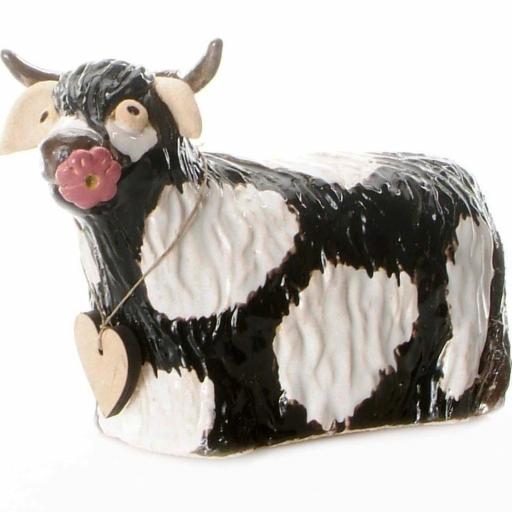 Ceramic Highland Cow with Daisy | Black & White
